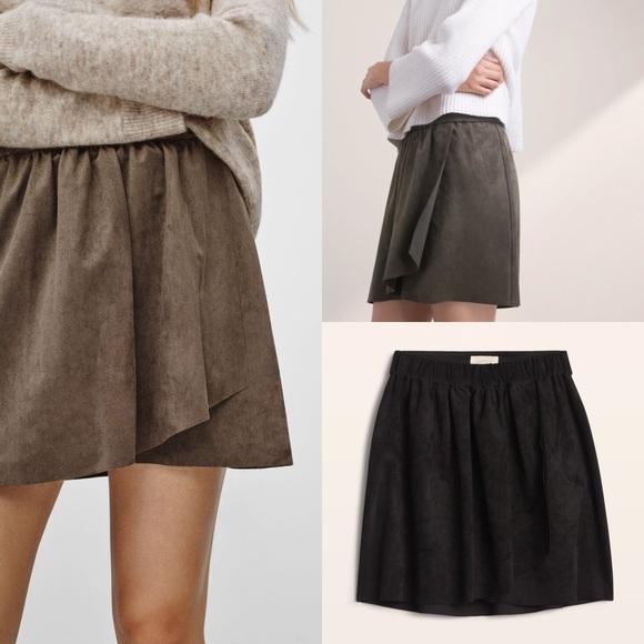 1cdf5fff8c Aritzia Skirts   Black Wilfred Free Nescher Skirt   Poshmark